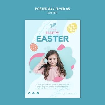 Modelo de cartaz - menina com ovos de páscoa