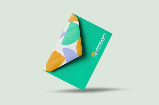 Modelo de envelope de papelaria psd, com logotipo da empresa