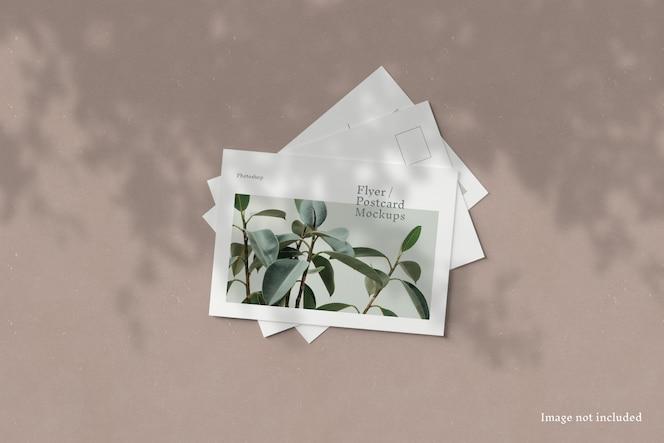 Modelo de folheto / cartão postal
