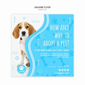 Modelo de folheto com adotar design de animal de estimação