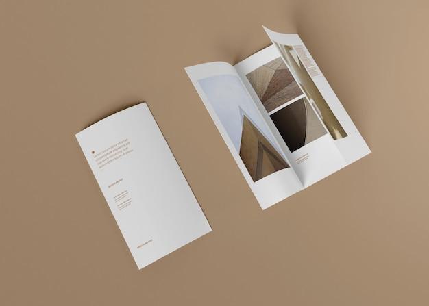 Modelo de folheto com três dobras