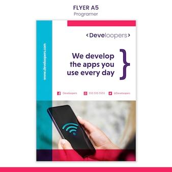 Modelo de folheto de anúncio para programador