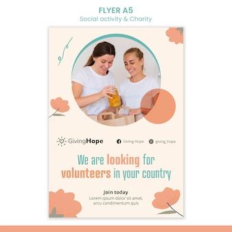 Modelo de folheto de atividades sociais e caridade