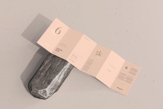 Modelo de folheto de seis dobras tamanho dl