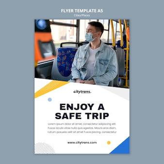 Modelo de folheto de viagem segura