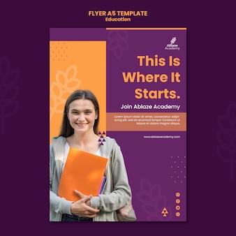 Modelo de folheto para educação universitária