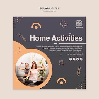 Modelo de folheto quadrado - conceito de ficar em casa