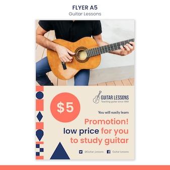 Modelo de folheto vertical para aulas de guitarra