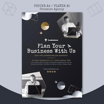 Modelo de folheto vertical para empresa parceira de negócios