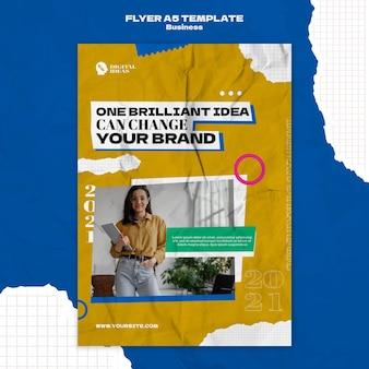 Modelo de folheto vertical para soluções de negócios criativos