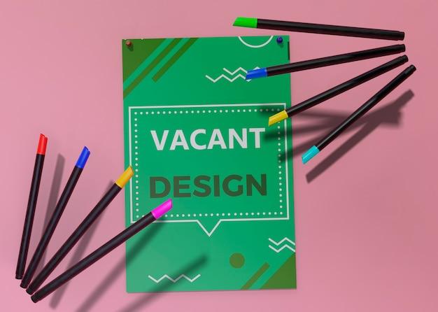 Modelo de identidade corporativa do negócio para panfleto e lápis