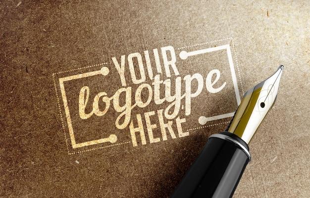 Modelo de logotipo com caneta