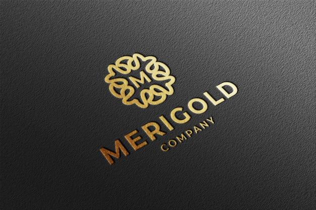 Modelo de logotipo de luxo com perspectiva de ouro em relevo
