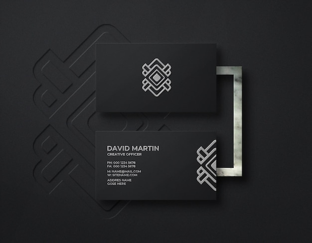 Modelo de logotipo de luxo em cartão de visita preto com relevo e efeito tipográfico