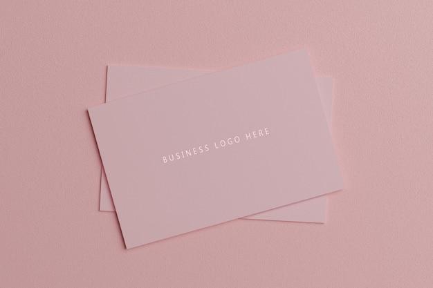 Modelo de maquete de papel cartão-de-rosa pastel com capa de espaço em branco
