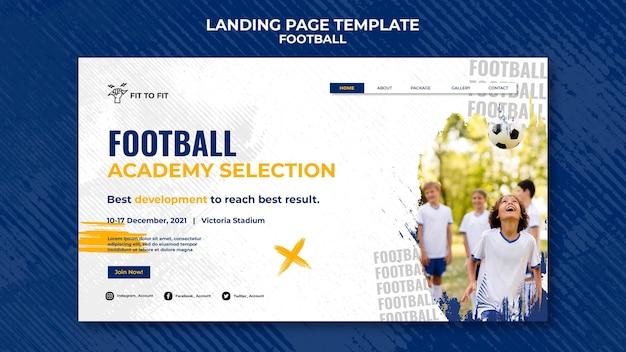 Modelo de página de destino para treinamento de futebol infantil