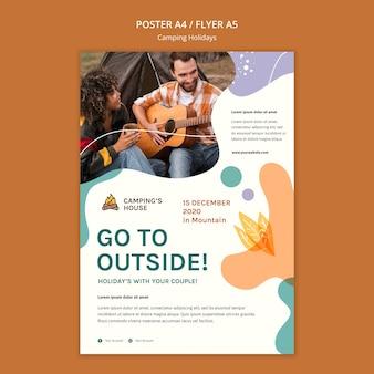 Modelo de panfleto para acampamento e férias