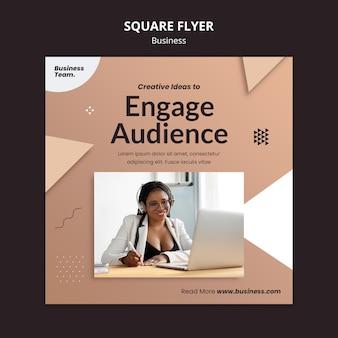 Modelo de panfleto quadrado comercial