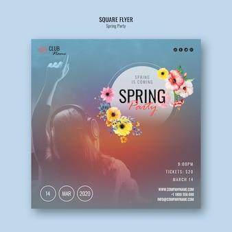 Modelo de panfleto quadrado de festa primavera com foto