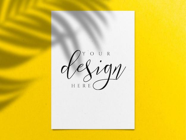 Modelo de papel a4 em amarelo