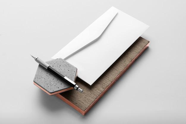Modelo de papelaria de marca