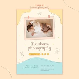 Modelo de papelaria de panfleto de bebê dormindo de vista superior
