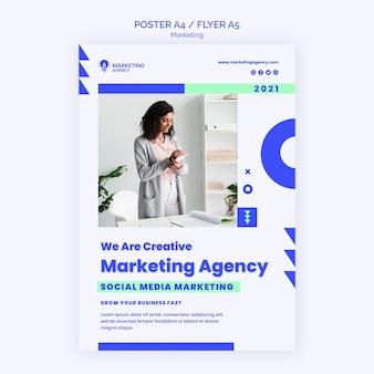 Modelo de pôster de agência de marketing
