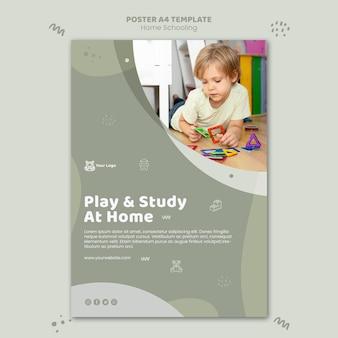 Modelo de pôster escolar em casa