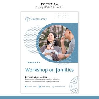 Modelo de pôster vertical com família e filhos