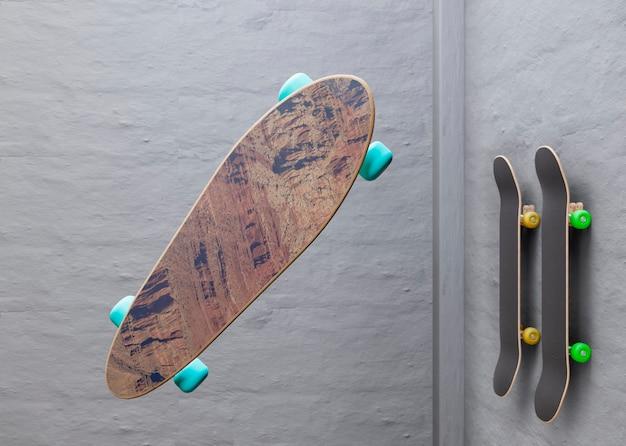 Modelo de skate com design em cortiça