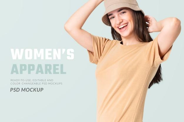 Modelo de vestido de camiseta editável psd bege com chapéu de balde, anúncio de roupas casuais para mulheres