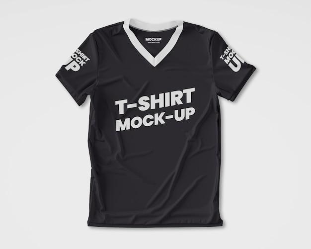Modelo realista de camiseta masculina