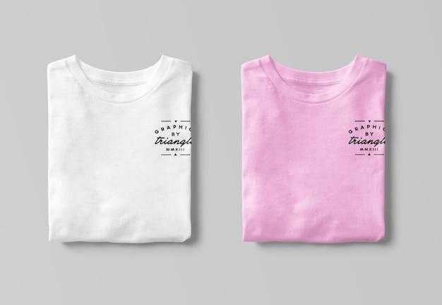 Modelos de camisetas dobradas isoladas
