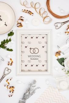 Moldura de convite de casamento com maquete
