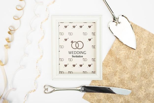 Moldura de convite de casamento romântico