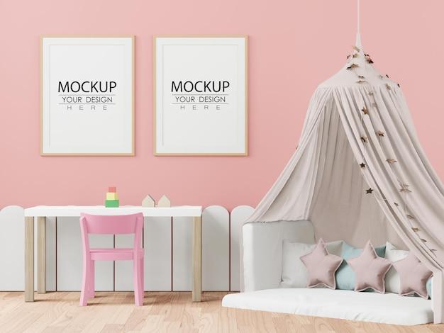 Moldura de pôster no quarto infantil psd mockup