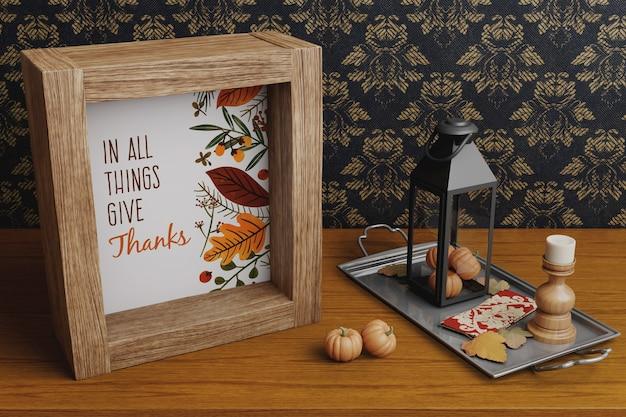 Moldura decorativa e arranjos de ação de graças