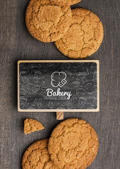 Moldura e deliciosos biscoitos