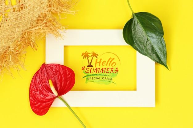 Molduras para fotos de verão maquete com flor e chapéu