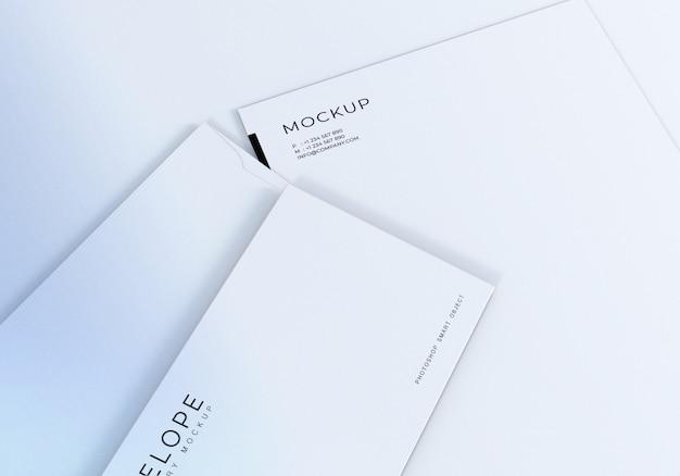 Monarca de envelope closeup e maquete de design de papel timbrado