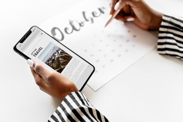 Mulher, agendamento, ligado, um, calendário