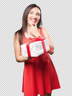 Mulher asiática, segurando um presente