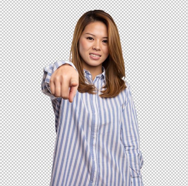 Mulher chinesa apontando frente