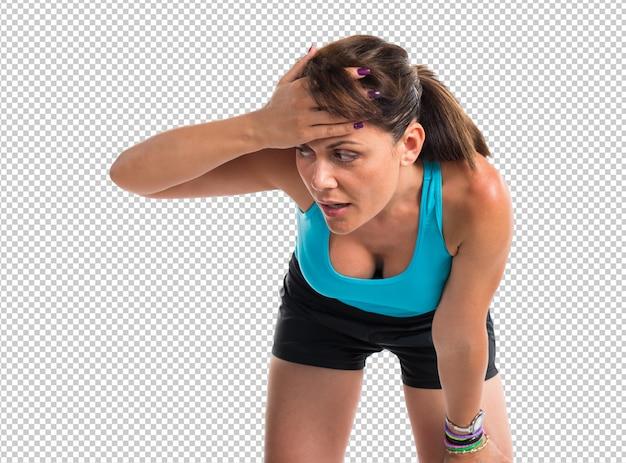 Mulher de esporte cansado