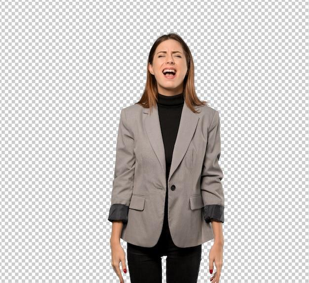Mulher de negócios, gritando para a frente com a boca aberta