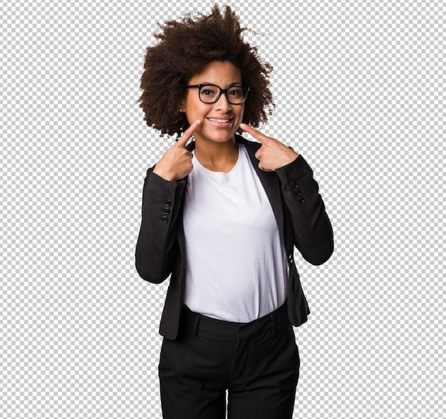 Mulher negra de negócios apontando a boca