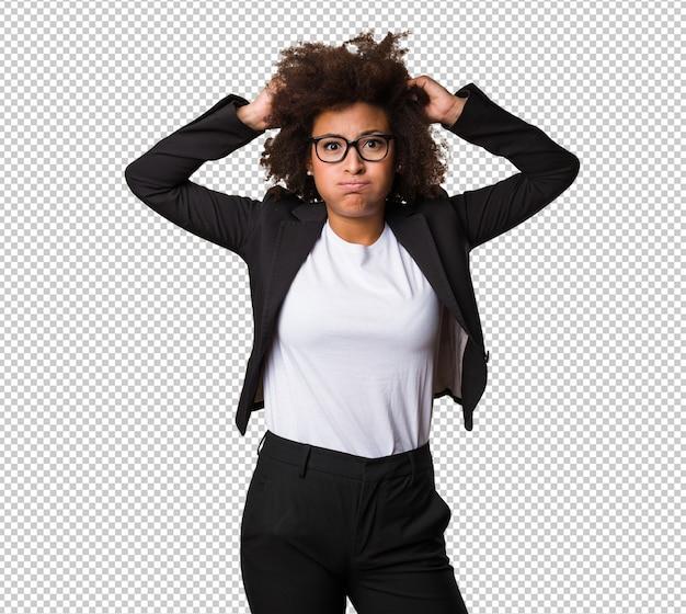 Mulher negra de negócios mostrando a língua