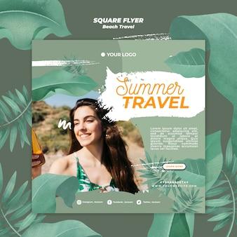 Mulher no verão viagem verão panfleto quadrado