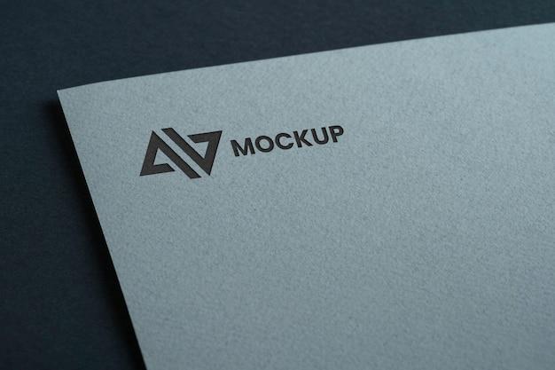 Negócio de design de logotipo mock-up em documento branco