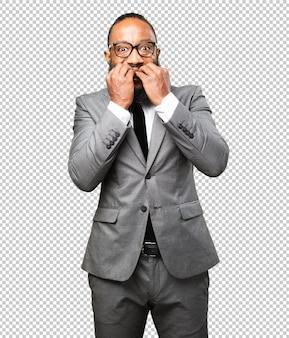 Negócios homem negro nervoso